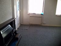 HOUSE To LET 3 Bedroom fully furnished house, Clean and tidy with garden, Gas central heating ---