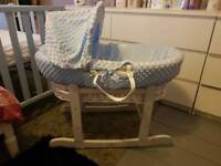 Moses basket with rockimg stand