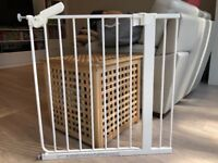 Safetots Pressure Fit Safety Gate with Extension