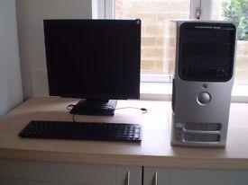 Dell Dimension E520 Desktop PC with LDC Screen & Keyboard