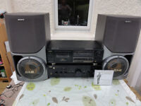 Superb Top Aiwa XA-008K Stereo Amplifier, Aiwa Tape and 2 Big Sony Speakers Built-in Subwoofer