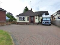 Beautiful 4-Bedroom Large Family Home/Granny Annex, Commutable to London