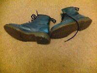 Blue Dr Martains boots Size 7