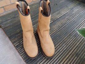 scruffs rigger boots