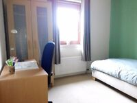 Student single room for 400pm in shared two bedroom apartment