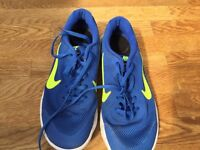 Boys Nike trainers size 5.5/38.5