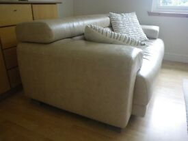 HIGH QUALITY ITALIAN LEATHER 2/3 SEATER SOFA. NATURAL BEIGE COLOUR. GOOD CONDITION.