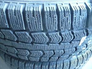 4 pneus d'hiver 215/65/16 Pirelli Ice Control