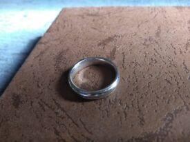 Ladies White gold wedding ring