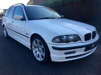 BMW 320 TOURER ES ,ESTATE , RARE WHITE, 53 REG LOOK AT PICS