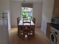 Short Lettings - 1/2 cozy double rooms in new refurbished House in Queen`s park area