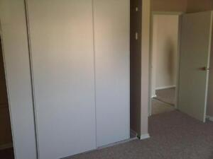 Bright 1 bedroom units  available Stratford Kitchener Area image 2