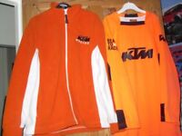 2 KTM MOTORCROSS KIDS TOP AND FLEECE EXCELLENT CONDITION SIZE LARGE BOYS