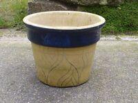 Large Ceramic Garden Planter Garden Pot With Blue Bland Leaf Detail 28.5cm Tall