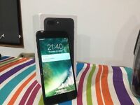 iPhone 7 plus 32gb ee mobile phone boxed- perfect