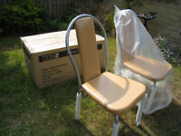2 leather chairs / brand new in box