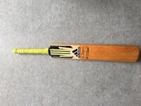 Adidas Cricket Bat Pellara - junior size 5