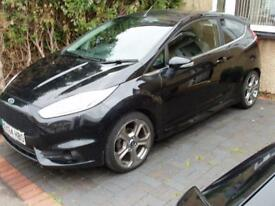 FORD FIESTA 1.0 2014,with Ford Health Care Warrenty.Ford ST Body Kit.