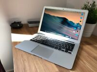 MacBook Air 13 Inch - Intel Core i7 - 8GB RAM - 256GB SSD