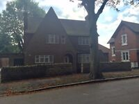 Large 4 bedroom detached house to rent -- Mapperley Park --