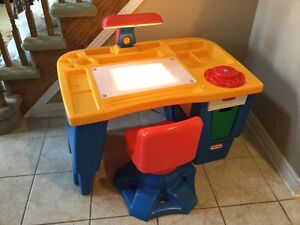 Little Tikes Art Desk