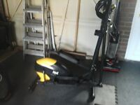 Everlast cross trainer with monitor