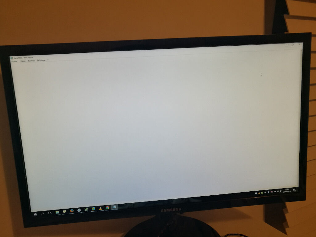 Monitor Samsung S22F350FH Ecran PC LED 21.5in GlasgowGumtree - Samsung S22F350FHU 21.5 Full HD Monitor 1920 x 1080 Full HD 200cd/m2 Brightness Eye Saver Mode HDMI & VGA 60Hz Refresh Rate Bought 4 months ago (100£) , in a perfect state. I dont have bill