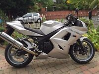 2004 TRIUMPH DAYTONA 600 VERY CLEAN BIKE MUST BE SEEN LONG MOT ETCTRA ETC FINANCE AVAILABLE £2595