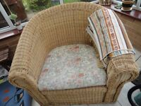 LARGE WICKER CONSERVATORY CHAIR WITH CUSHION
