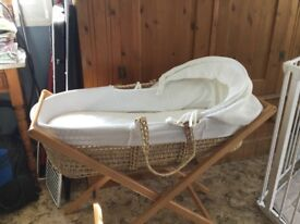 Moses basket and baby bath with stand