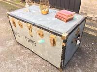 LARGE LOVELY VINTAGE TRUNK CHEST FREE DELIVERY STORAGE BOX/COFFEE TABLE 🇬🇧