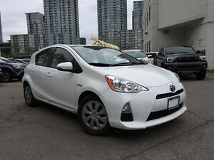 2013 Toyota Prius c One Owner Very Low KM