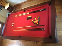 Pool Table 7'x4' Supreme, Coin Op, 4 Ques, Balls ⚪️🔴🎱
