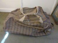 Large Aerolite Holdall Travel Bag with wheels