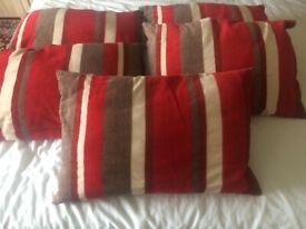 5 Stipped rectangular Cushions