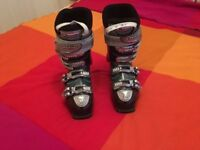 Ski Boots - Atomic Hawx 80 - i-Flex ladies size 5 (24.5) - warm & comfortable