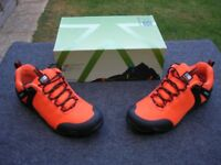 Karrimor Newton trainers in size 7 (41)