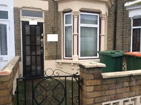One Double Bed Room Green Street