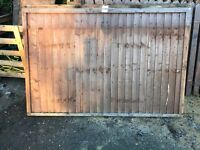 2x 4ft closed board fence panels