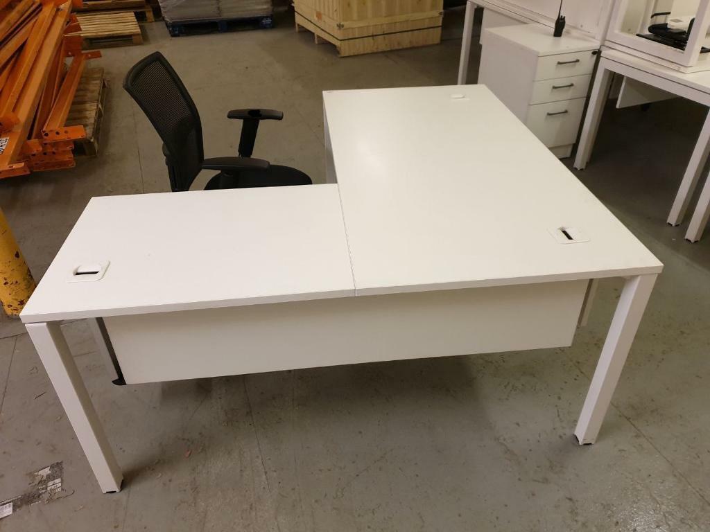 Fine 6 Lovely Elite Corporate Loreto Office Corner Desks Chairs X6 Sets In Blackburn Lancashire Gumtree Download Free Architecture Designs Terstmadebymaigaardcom