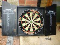 Dartboard & Cabinet