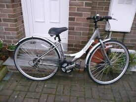 Ladies Bicycle, in great condition.