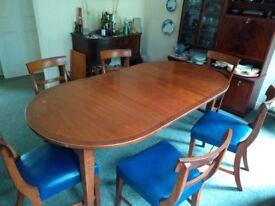 Mahogany Dining table and 6 chairs (07761713184)