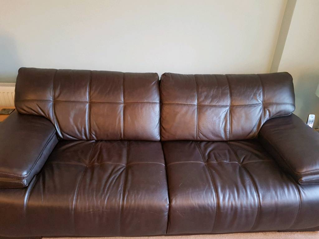 Itialin leather suite