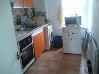 1bed converted flat Located at13 Cavendish Road,have an agency administration fee of £80/person only