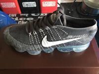 Nike air vapormax size 7/11
