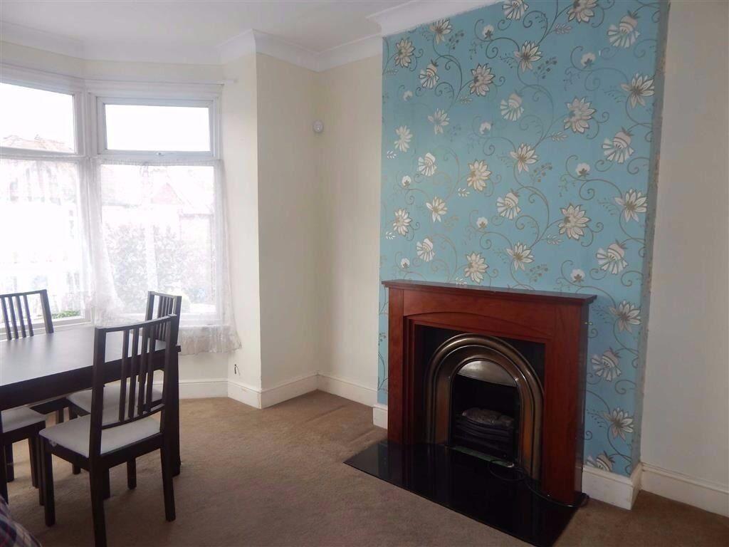 Two bedroom, first floor maisonette located in Harrow