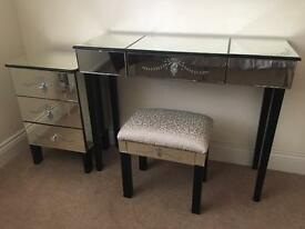 Venetian Mirrored Dressing Table, Chest of Drawers & Stool