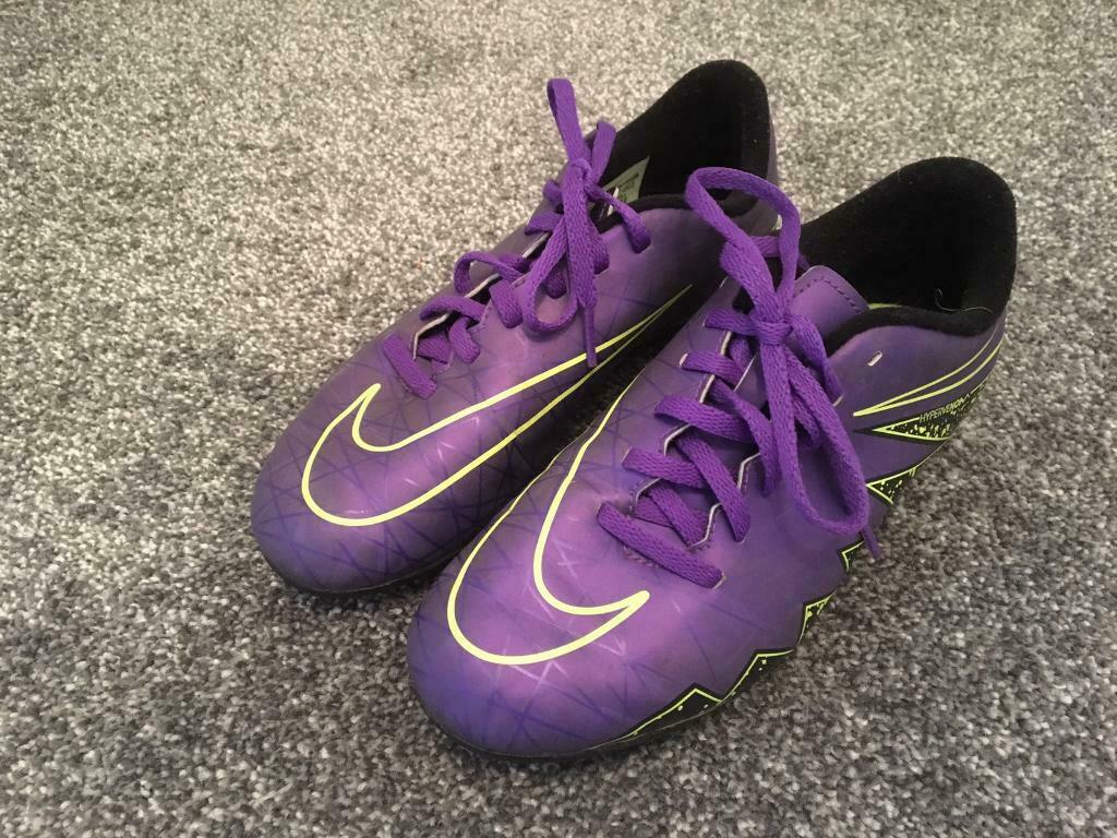 low priced 7a8e4 e0f86 Nike Football boots size 4