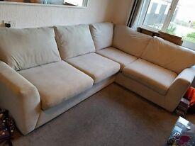 Corner Sofa, Great Condition - quick sale!!!!